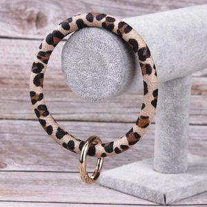 🇺🇸 3/$30 Leopard Print Wrist Key Chain